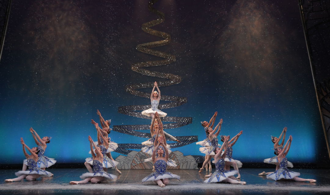 The sarasota ballet in matthew hart s john ringling s circus nutcracker   photo frank atura cngozi