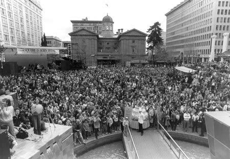1984 pioneer court house squa fbaewl