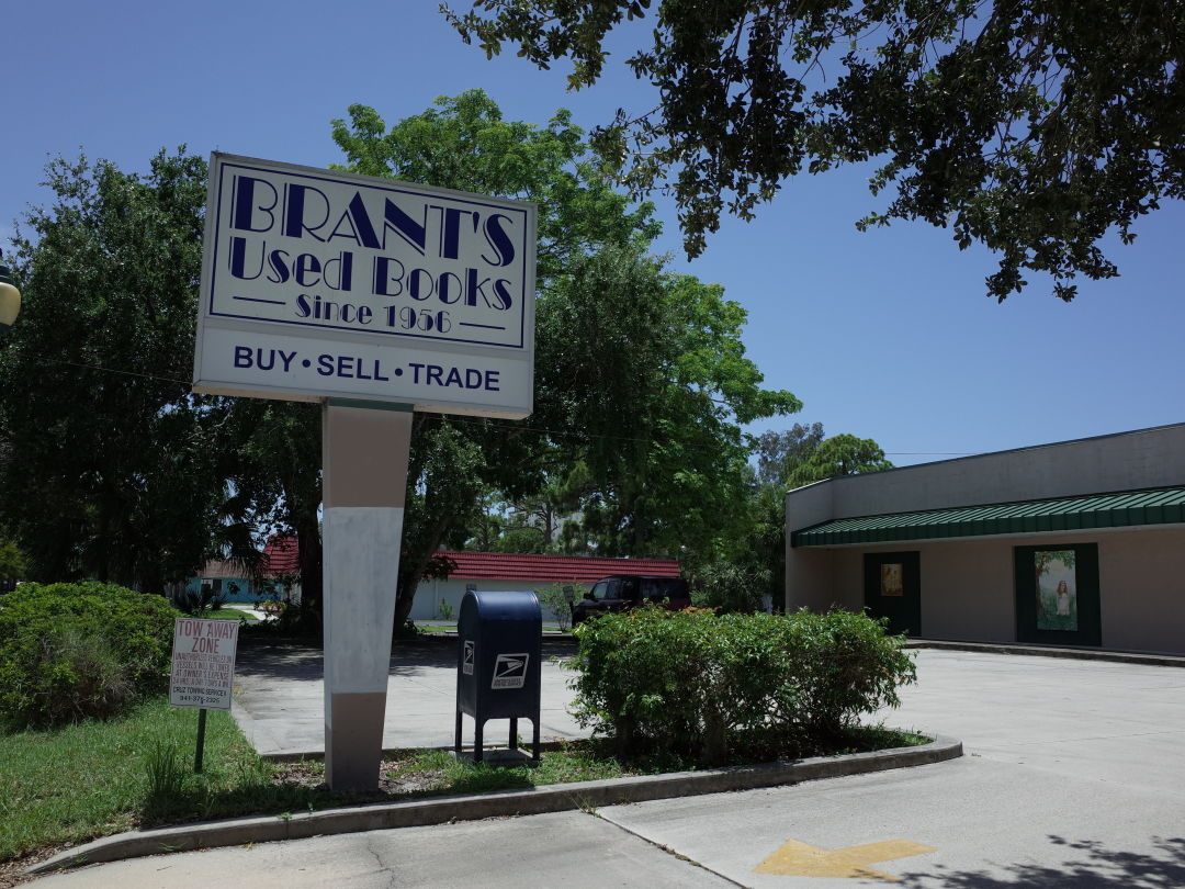 Brant's Books' current location at 429 N. Lime Ave. in Sarasota.