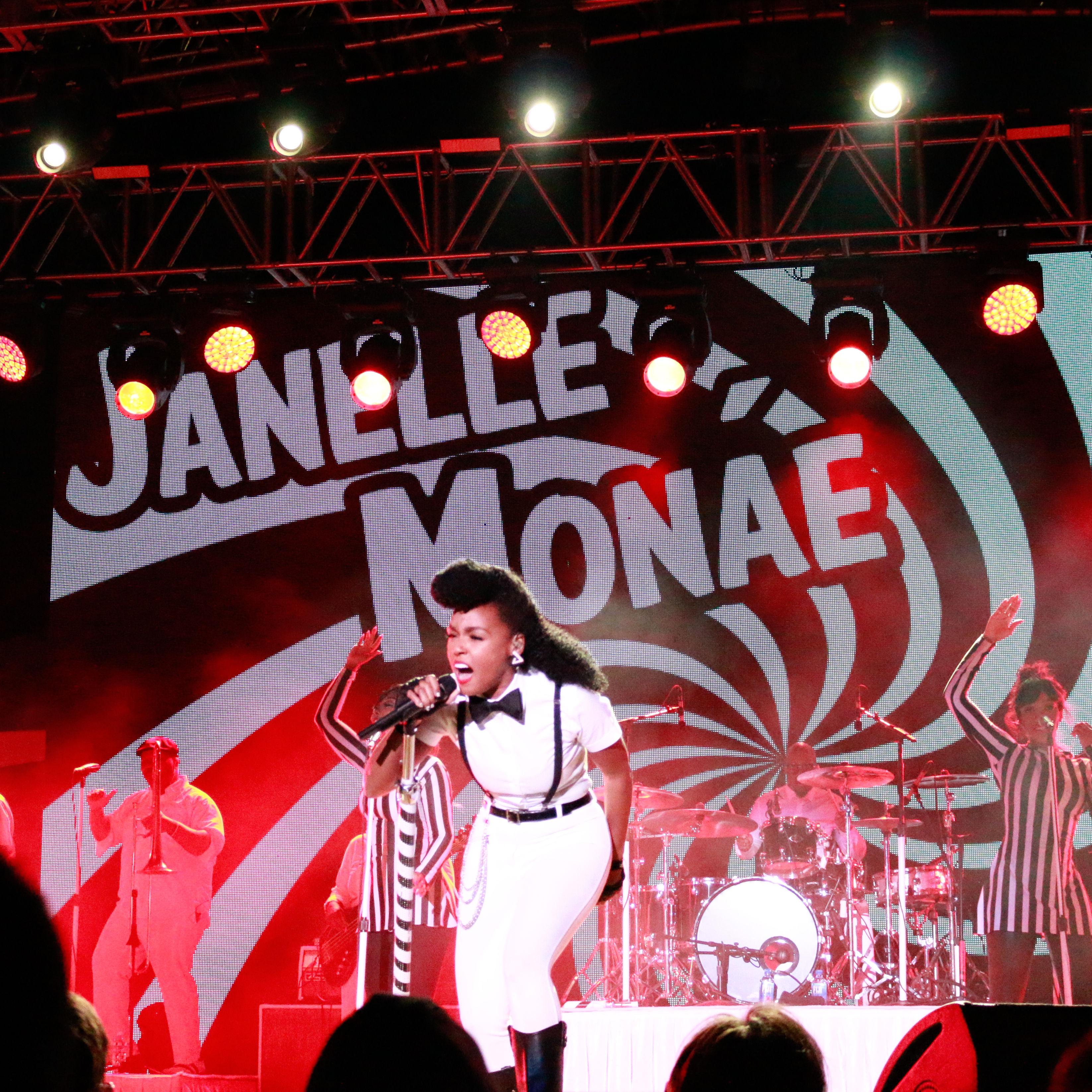 Janelle4 rp4u9y