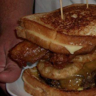Triple bypass burger jok5tn