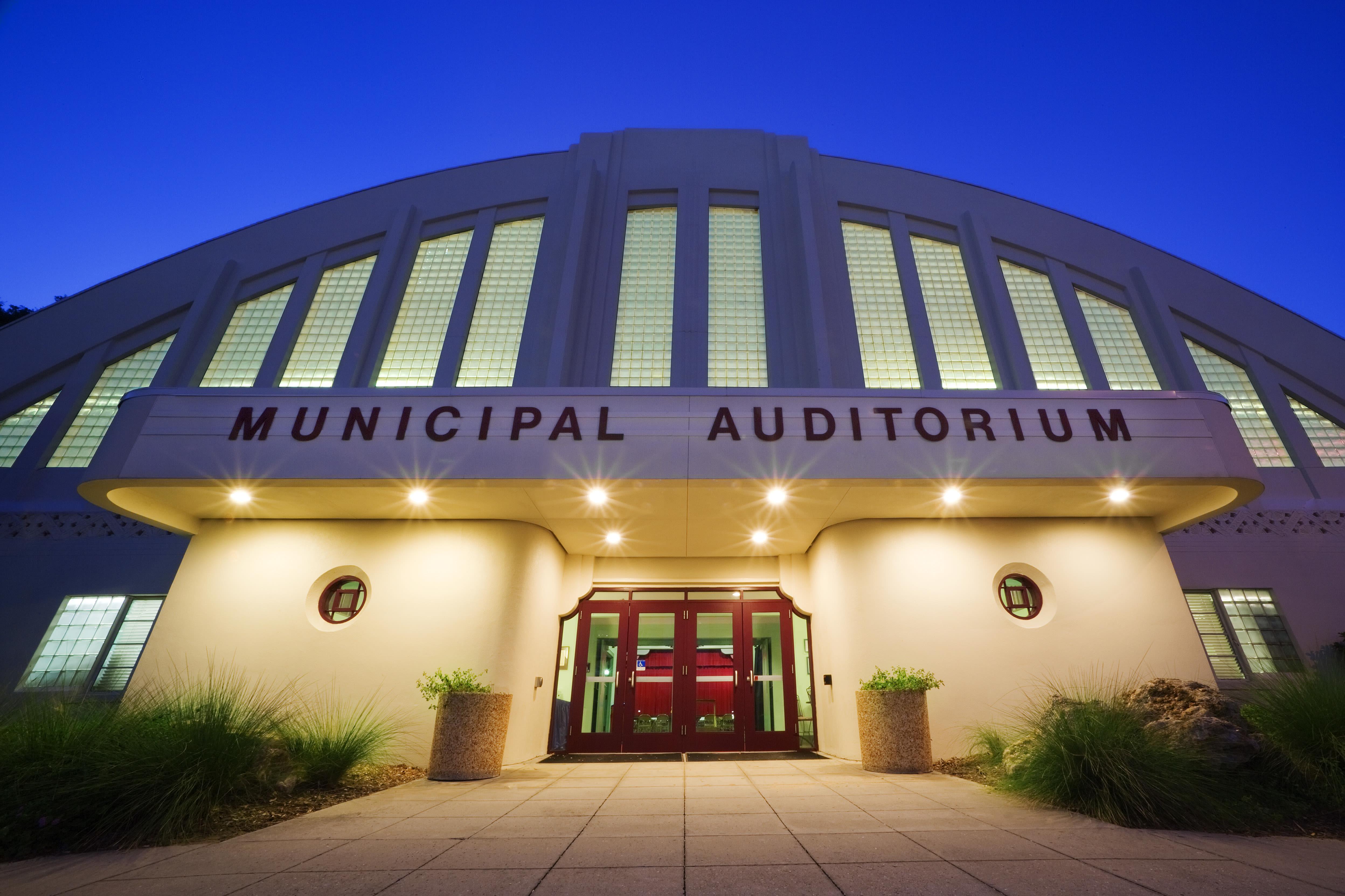 Municipal auditorium n5ftgb