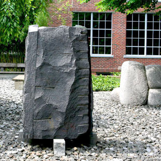 6.13 noguchimuseum sculptureoutdoors absuta