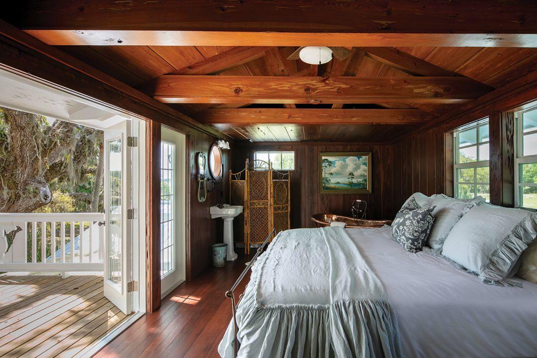 The second-floor bedroom overlooks the Myakka River.