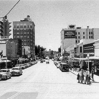 Downtown early 50s hkz8dy