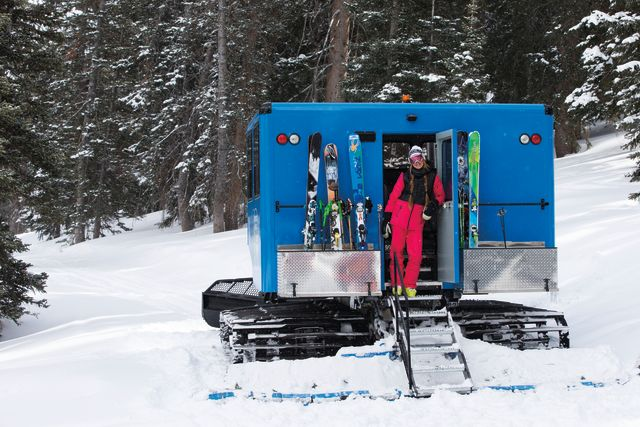 Pcwi 14 cottonwood alta snowcat tour m7i2mz