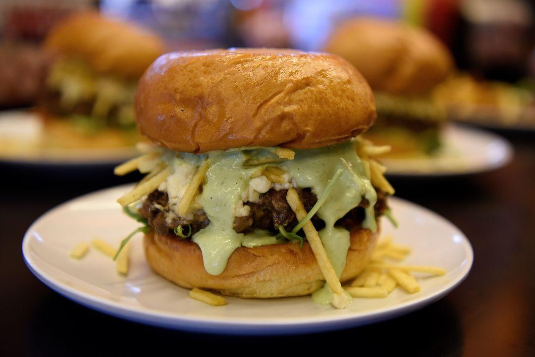 Bernie s blended burger pyhwrb
