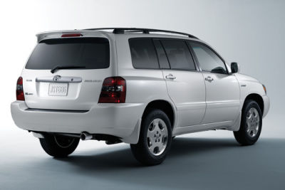 Toyota highlander sport crystalwhite optional rear spoiler 2 a2bdjw