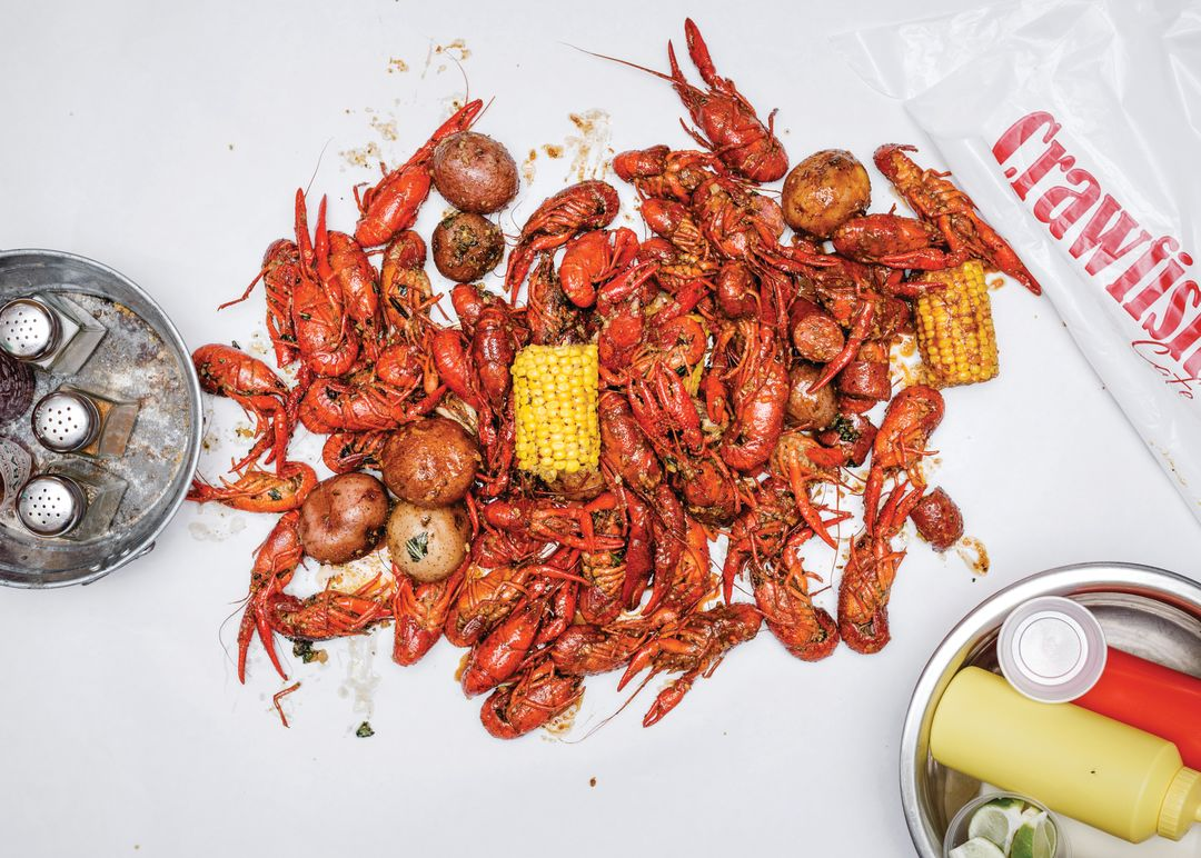 0317 large crawfish boil corn potatoes innjme