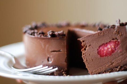Raw chocolate cake w raspberry 3 of 3 etv7aw