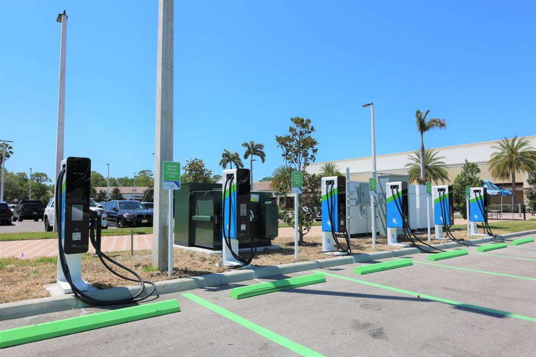 FPL's new electric vehicle charging stations in The Landings.