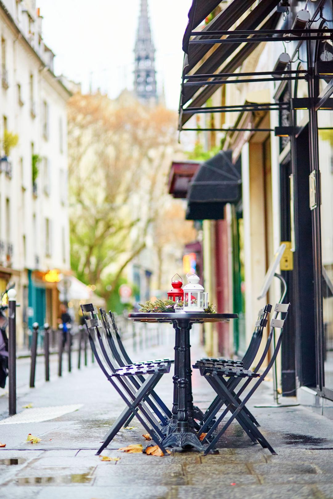 Paris cafe street