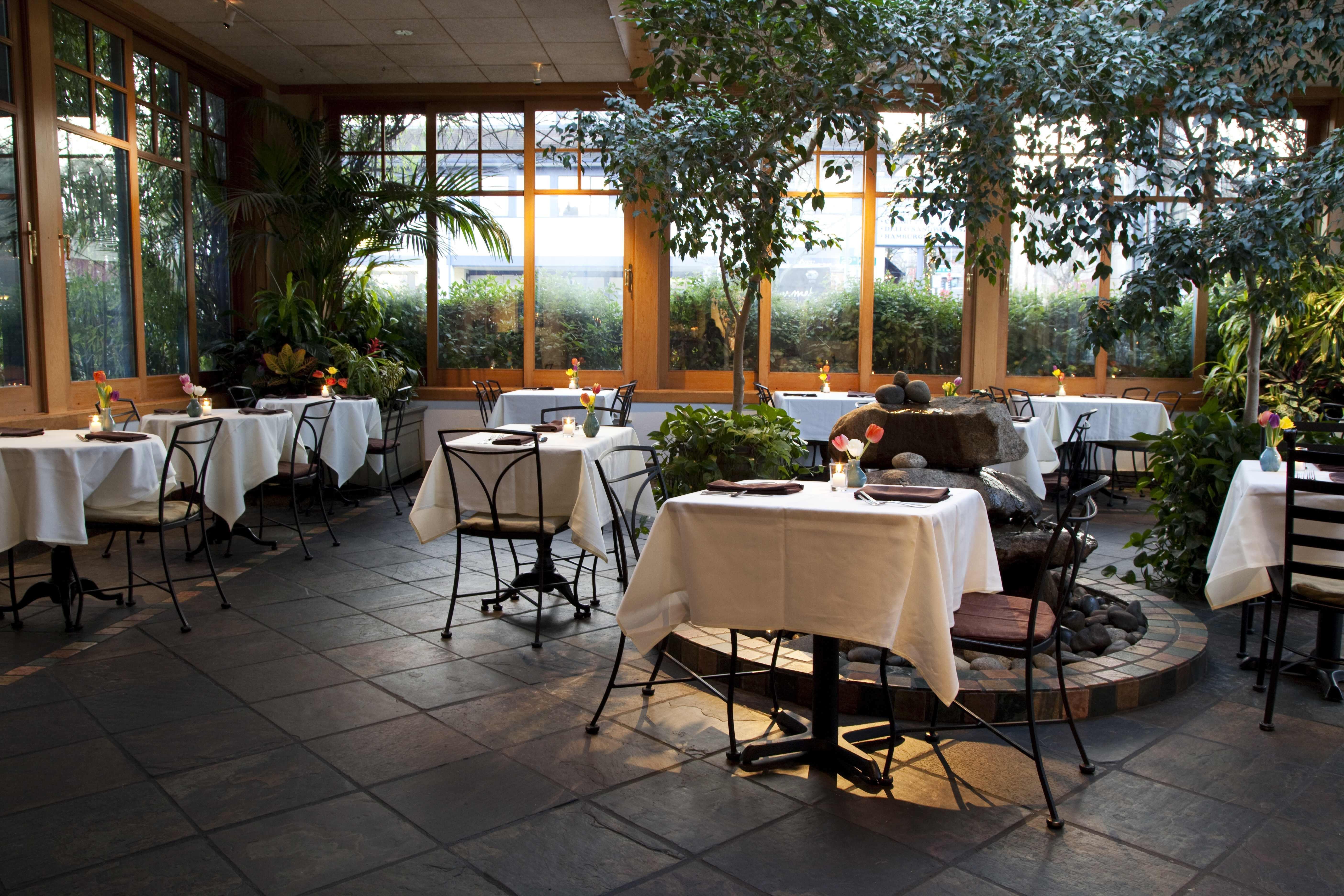 Cafe flora atrium gxopca