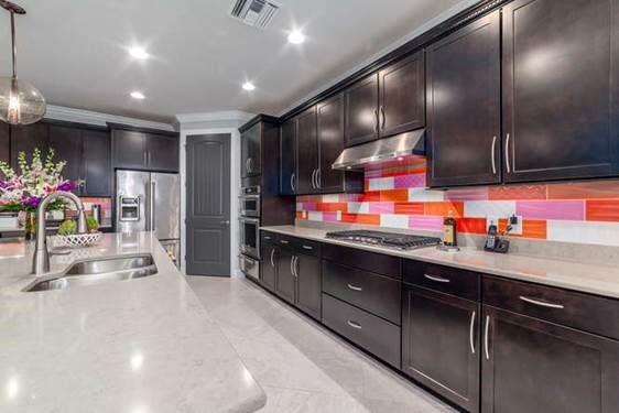 Warhol kitchen rnnfgz