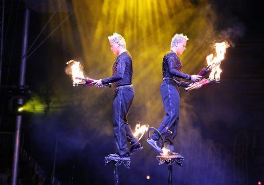 Cirque italia fuoco  002  wjeyte