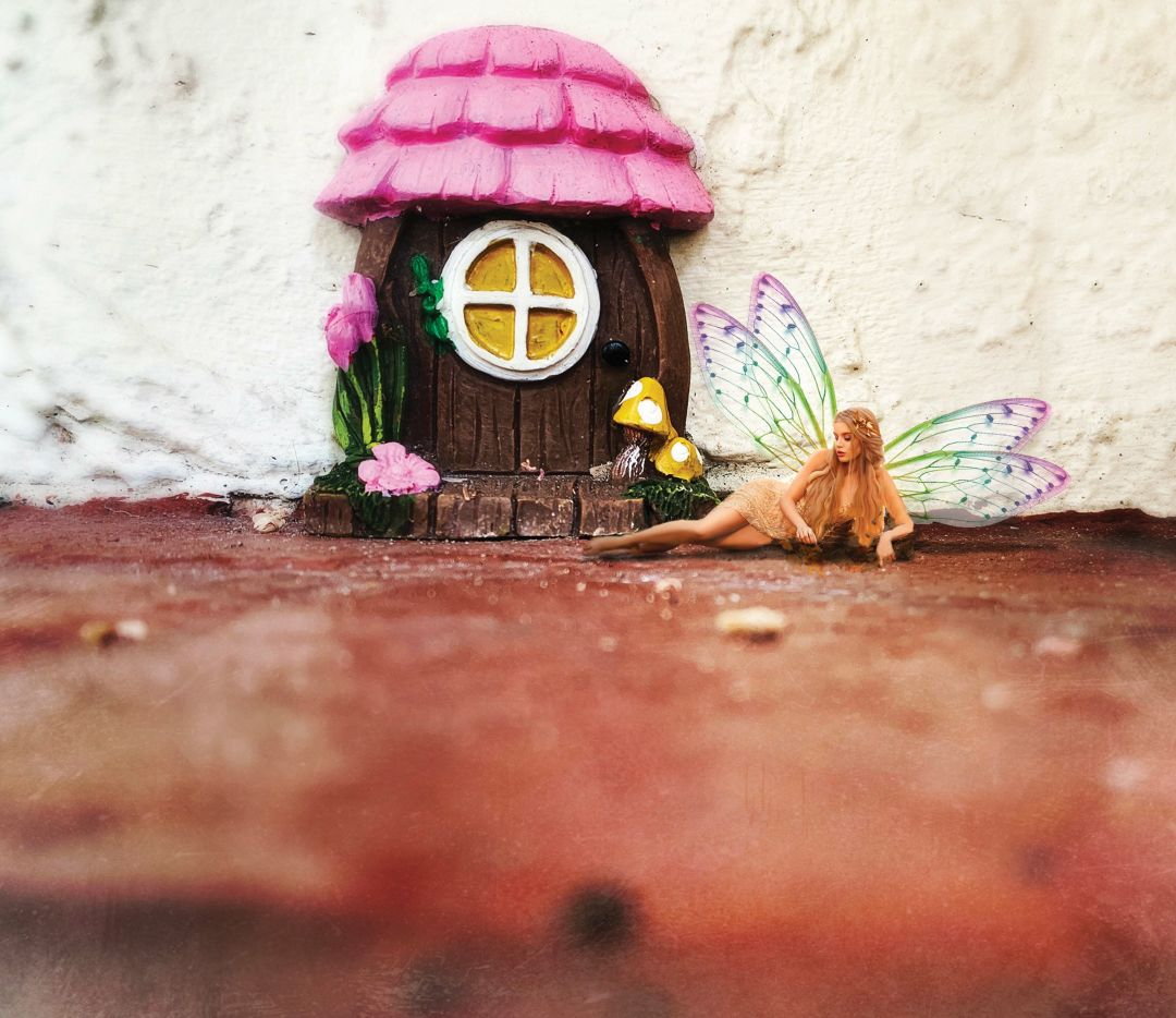 This fairy lives on Palm Avenue. Can you find her?