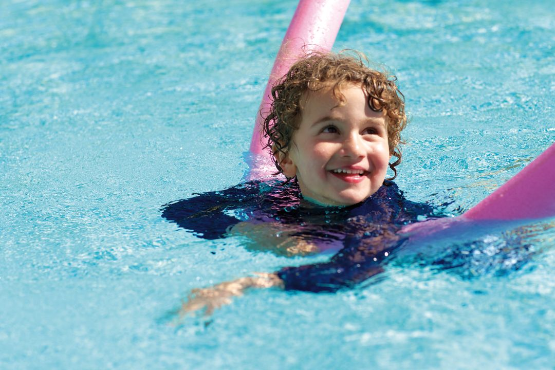 Mdv lifestyle alpine pool outside summer child swimming 2 tqggm4