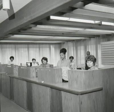Lib bank interior bezcaw