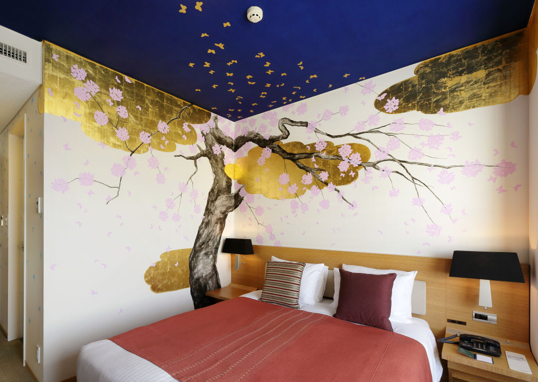 13 artist room queen cherry blossoms copy l6k9tl
