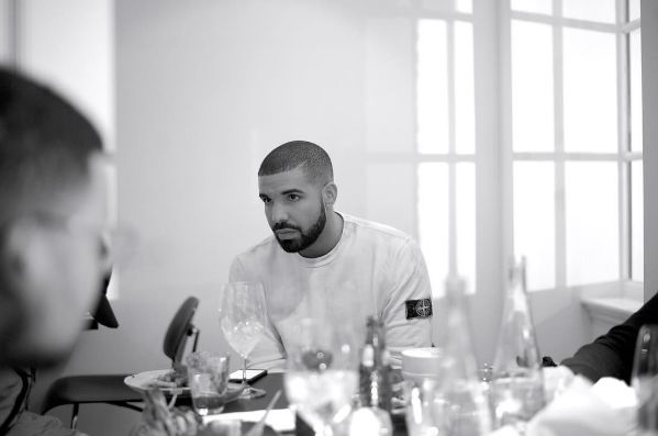 Drake  instagram uy1gmz