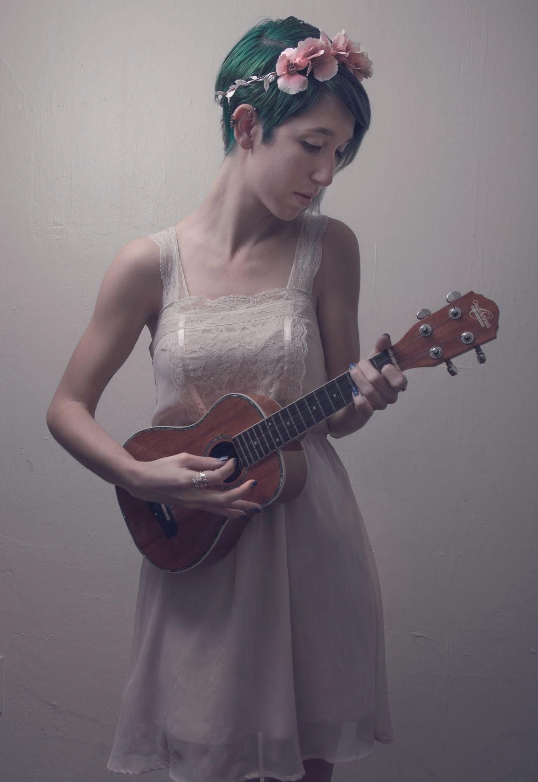 Lesa s singersongwriter rybqez