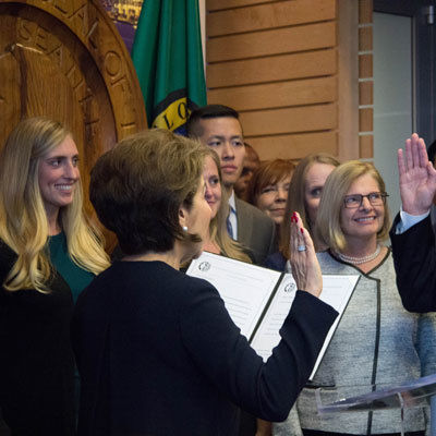 Tim burgess sworn in mayor tfidwt