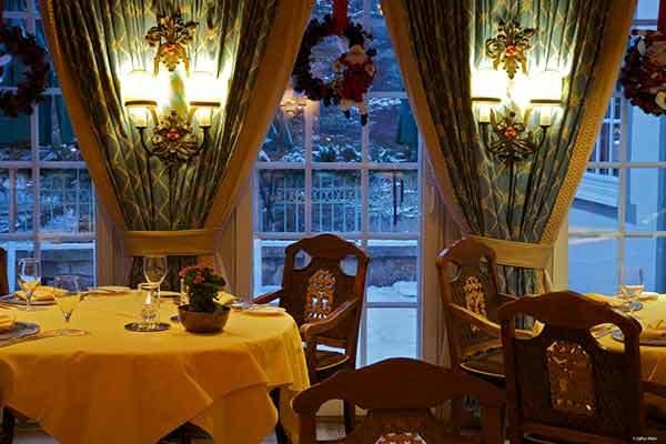 Ludwigs diningroom wouxmp