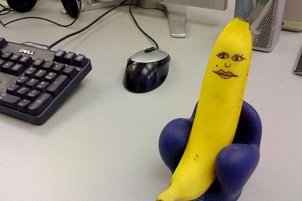 Banana on chair face funny ehrzyh