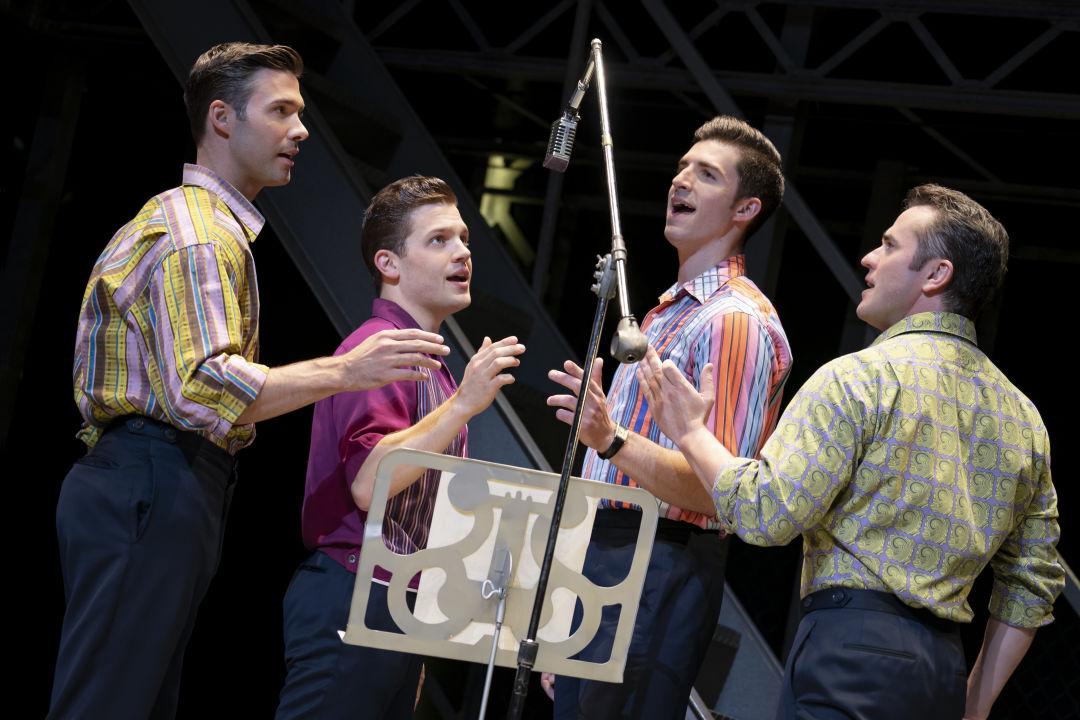 Actors sing Jersey Boys.