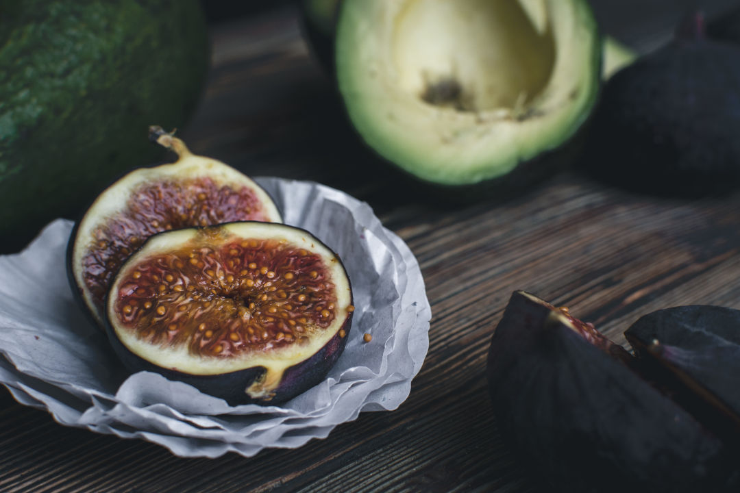 Fig photo from foodiesfeed ofkwxq