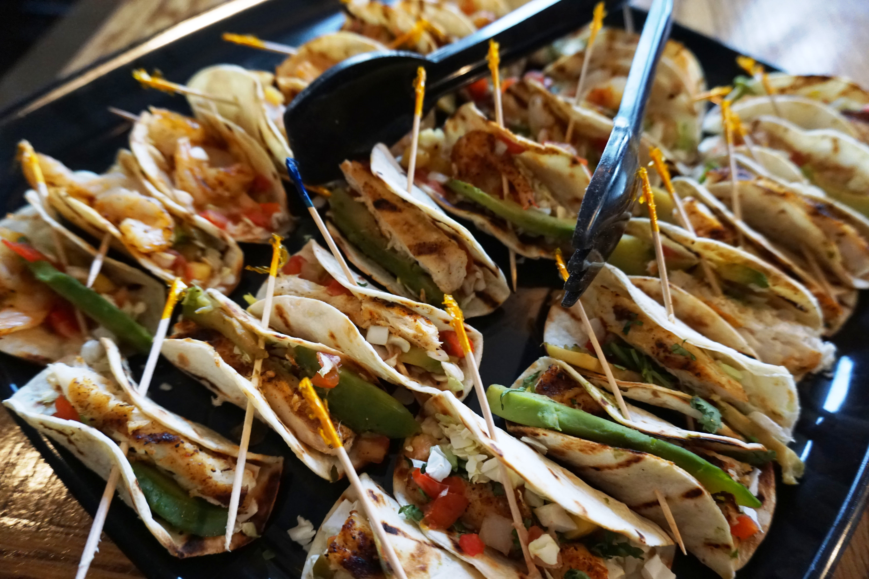Rum bay restaurant   shrimp and fih tacos f9vsbz