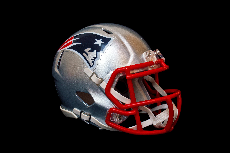 Patriots logo football helmet bifr1m