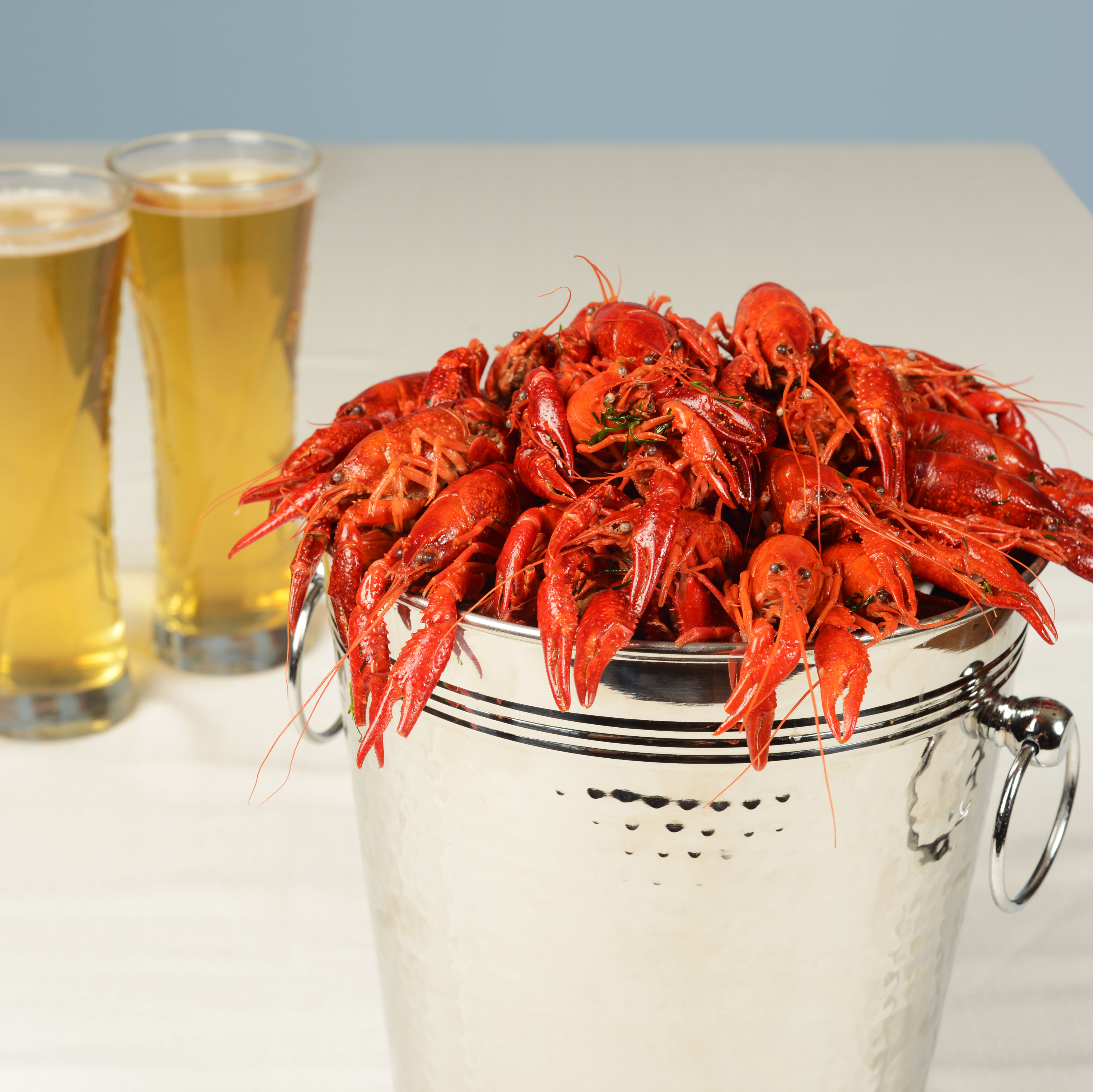 0317 crawfish feature beer and crawfish qb33du