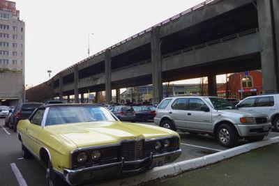 Viaduct parking 615 sxrlic