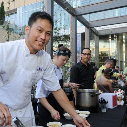 Chef mark gabriel medina of soma sushi prepares curry ramen if22ak