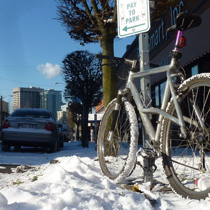 Bike in snow 615 ocgo1w
