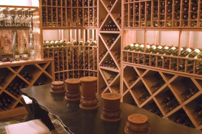 Wine cellar w1uoww