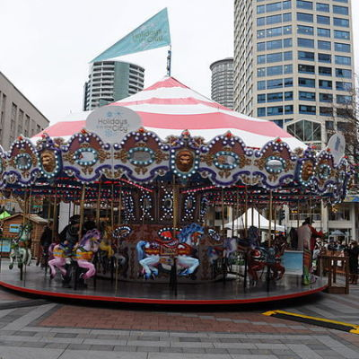 640px seattle   westlake mall carousel at xmas 03 aydaca