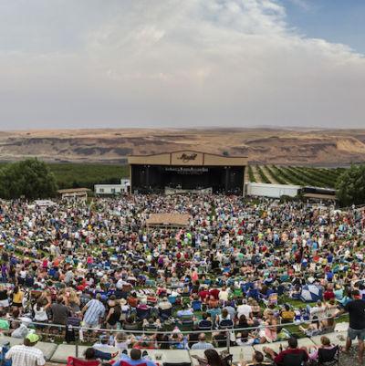 Maryhill concert panorama1 zrmrwy