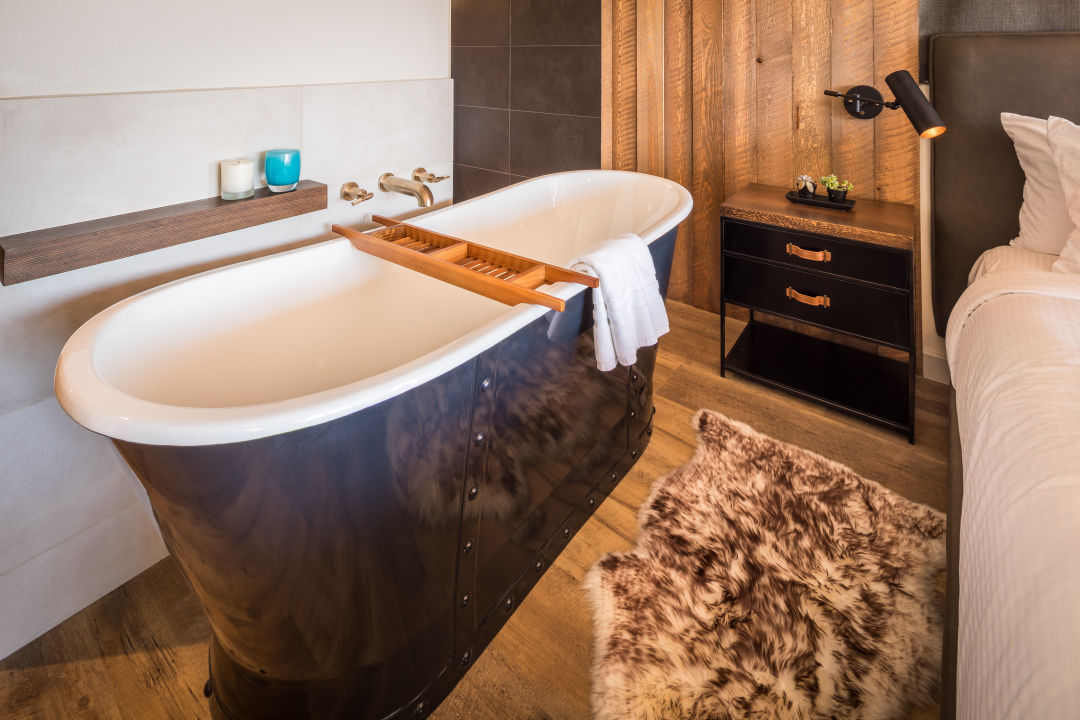 Room tub eoyh9k