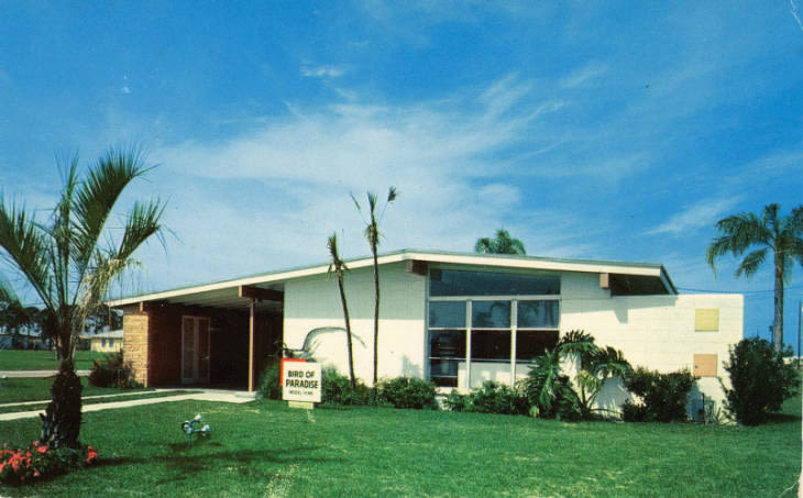 One of Bayshore Gardens' typical midcentury homes.