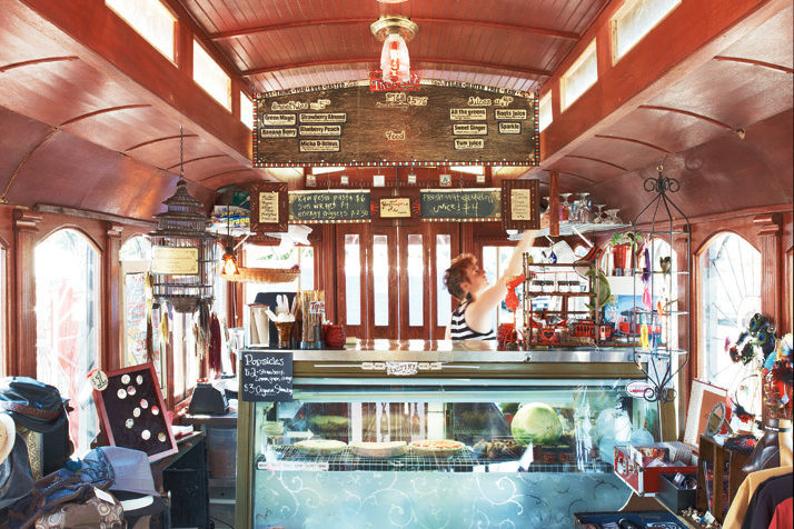 09 59 foodcarts googies streetcar wjmd7z