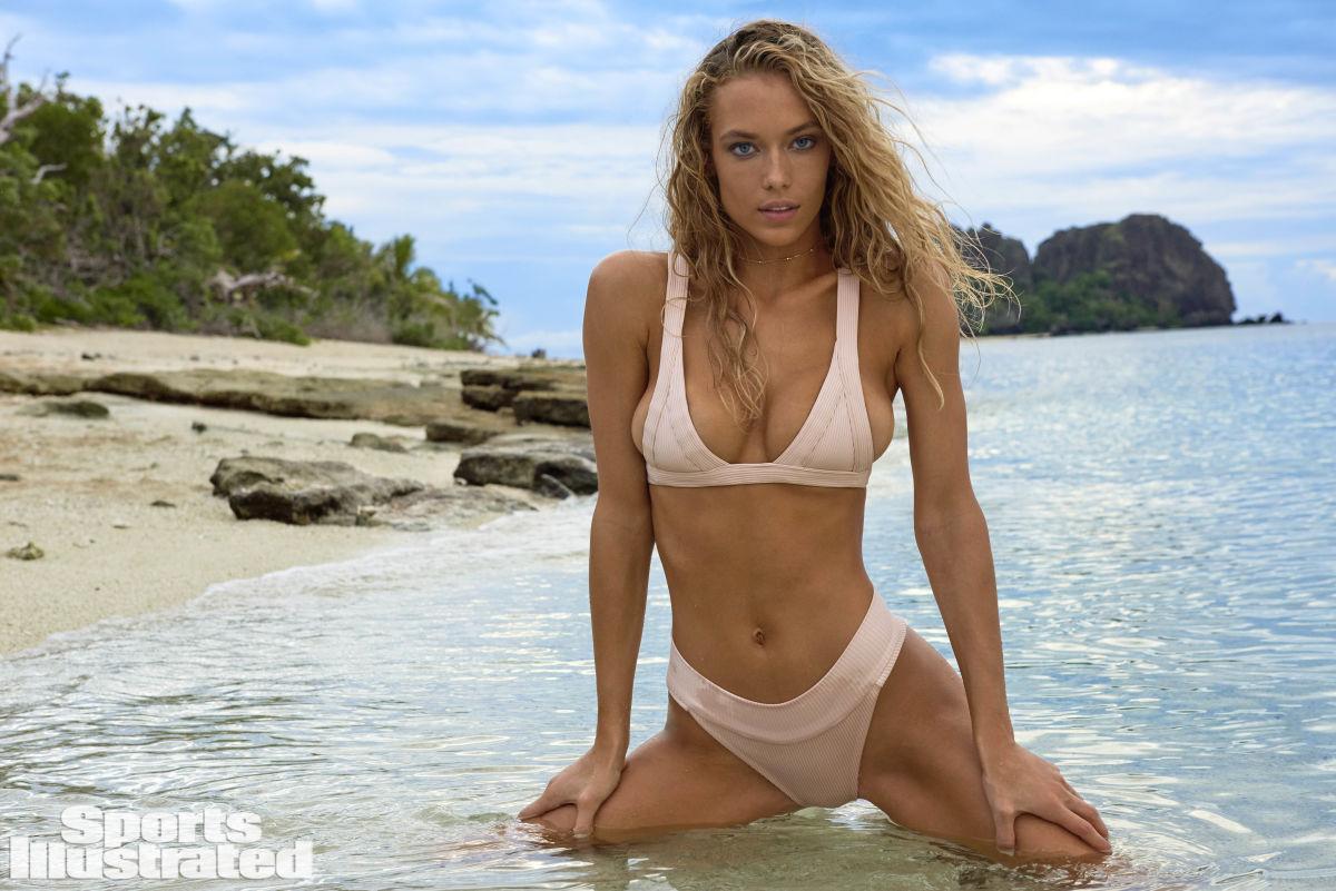Video Hannah Ferguson nudes (61 photo), Topless, Bikini, Feet, braless 2006