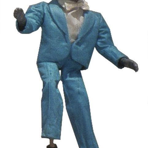 0509 greenroom puppet2 qsrhnv