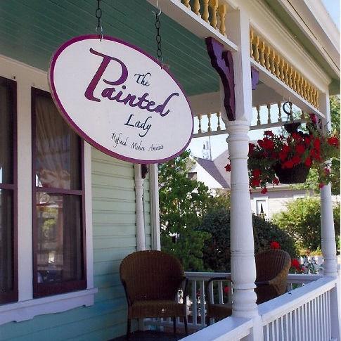 Painted lady porch m9stoj