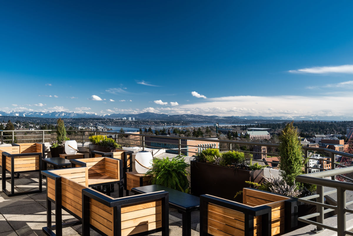 Why Yes There Is A New Rooftop Bar In The U District