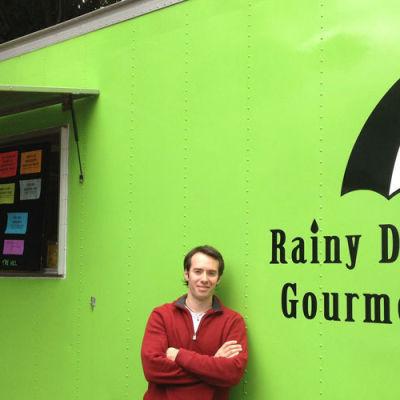 Seattle food truck rainy day gourmet wgzw0n