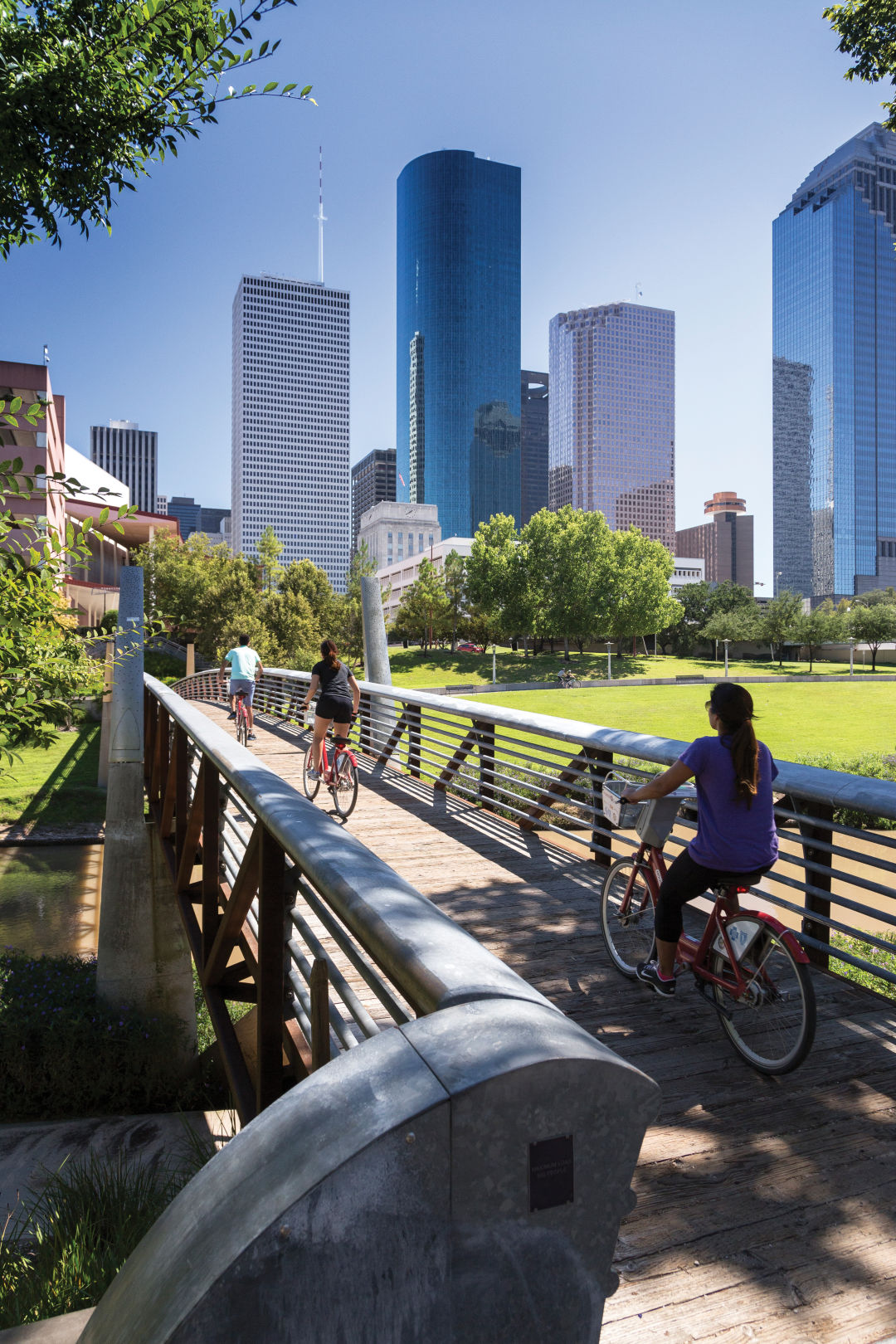 0217 buffalo bayou park bicycle path audio tour hiowd8