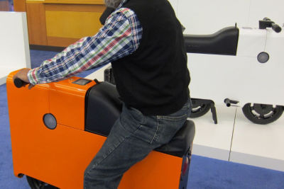 Man on boxx at autoshow mixdbm
