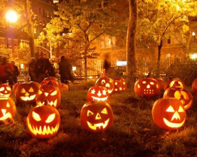 Halloweentown 652x521 tkjvo6
